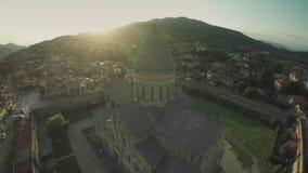 姆茨赫塔城堡教会高加索山脉河白种人秀丽自然乔治亚动物waterwall寄生虫4k 影视素材
