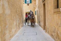 姆迪纳,马耳他- 2016年5月04日:姆迪纳城市游览一时髦的carr的 图库摄影