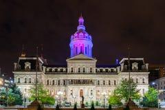 委员会大厦在巴尔的摩,在夜间期间的马里兰 免版税图库摄影