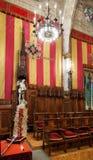 委员会的霍尔一百在巴塞罗那市政厅里  图库摄影