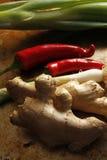 姜和春天葱用辣椒 库存图片
