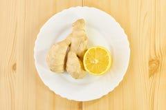 姜根和柠檬 库存图片