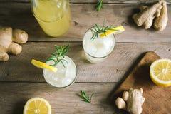 姜汁无酒精饮料或Kombucha 库存图片