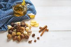 姜茶柠檬和桂香用巧克力 库存照片