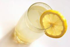 姜蜂蜜柠檬茶 免版税库存照片