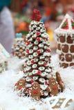 姜饼圣诞树 免版税图库摄影