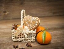 姜饼心脏用香料 图库摄影