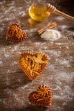 姜饼心脏 免版税图库摄影