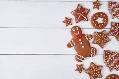 姜饼曲奇饼圣诞节构成,与 免版税库存照片
