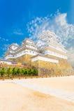 姬路Jo城堡内在庭院保留蓝天被渔的V 免版税库存照片