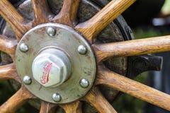 威利斯陆上游览车1920年插孔木轮幅 库存照片