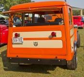 1951年威力斯公共小型客车背面图 免版税库存图片