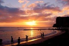 威基基海滩日落 图库摄影
