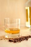 威士忌酒和巧克力 免版税库存照片