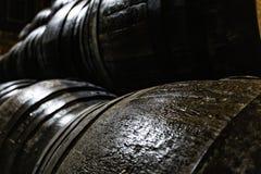 威士忌酒或酒的老木桶 图库摄影