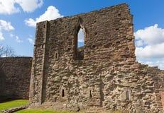 威尔士城堡破坏蒙茅斯威尔士英国历史的旅游胜地Y形支架谷 免版税库存图片