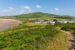 威尔士海岸道路布劳顿海湾Gower半岛在罗西里附近的南威尔士英国往Llanmadoc小山 库存照片