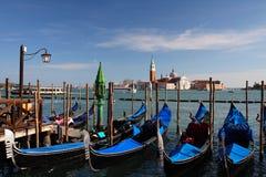 威尼斯、大运河和长平底船 库存图片