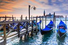 威尼斯、意大利-长平底船和大运河 免版税库存照片