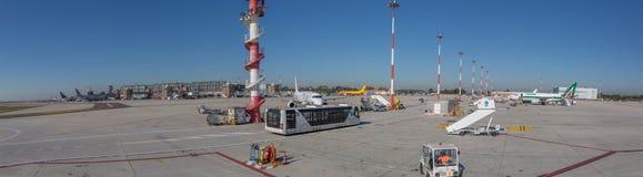 威尼斯国际机场,意大利-全景 库存照片