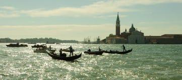 威尼斯在圣玛丽亚della致敬大教堂的都市风景视图与 库存照片