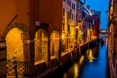 威尼斯在夜之前是惊人的 库存图片