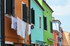 威尼斯式五颜六色的房子 免版税库存图片