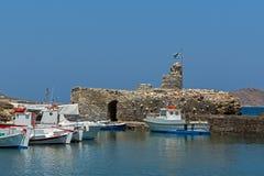 威尼斯式堡垒在Naousa镇,帕罗斯岛海岛,基克拉泽斯 库存图片
