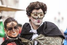 威尼斯式夫妇-威尼斯狂欢节2014年 免版税库存图片