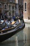 威尼斯式小船的长平底船 库存图片