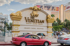 威尼斯式度假旅馆和赌博娱乐场入标志 免版税图库摄影