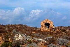 威尼斯式无背长椅希腊语破坏堡垒, Imeri,格拉姆武萨群岛,克利特希腊 免版税库存图片