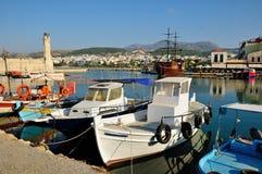 威尼斯式港口和灯塔在市罗希姆诺,希腊 免版税库存图片