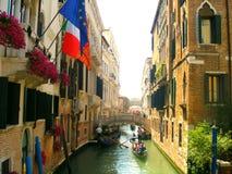 威尼斯式的运河 免版税图库摄影