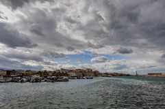 威尼斯式chania的港口 图库摄影