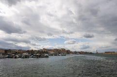 威尼斯式chania的港口 免版税库存图片