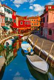 威尼斯意大利美丽如画的日落的Burano海岛 库存照片