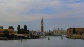 威尼斯意大利运河夏天太阳 免版税库存图片