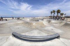 威尼斯海滩的加利福尼亚公开冰鞋板公园 免版税库存照片