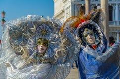 威尼斯狂欢节夫妇 库存照片