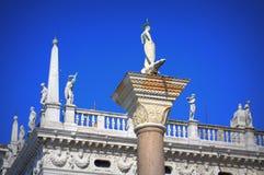 威尼斯白色雕象意大利 库存图片