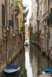 威尼斯的运河  图库摄影
