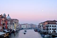 威尼斯视图在晚上 库存图片