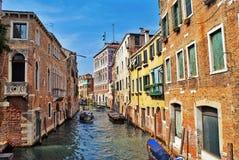威尼斯运河和大厦视图 库存图片