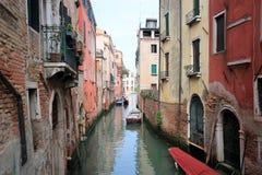 威尼斯运河在天 图库摄影