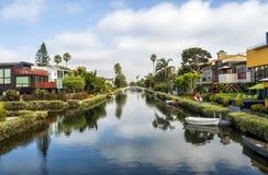 威尼斯运河,原始的五颜六色的房子-威尼斯海滩,洛杉矶,加利福尼亚 免版税库存图片
