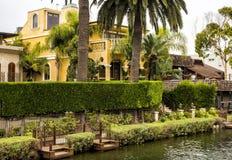 威尼斯运河, 2017年8月13日的舒适五颜六色的房子, -威尼斯海滩,洛杉矶,加利福尼亚 库存图片