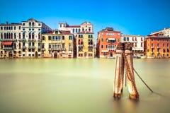 威尼斯都市风景,浇灌大运河和传统建筑。意大利。 库存照片