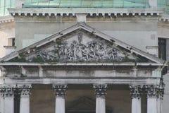 威尼斯,圣西梅奥内,门面的细节教会  库存照片