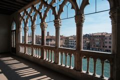 威尼斯,意大利,从Ca de Oro Palace的阳台的看法 免版税库存图片